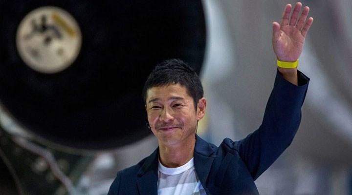 Japon milyarder Ay'a seyahat için yanına 8 kişi arıyor