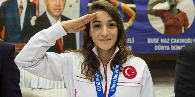 Milli boksör Buse Naz Çakıroğlu: Olimpiyat madalyası hayali bile beni duygulandırıyor