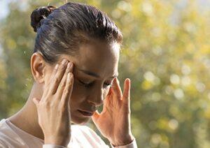 Stres ve bazı besinler migren ataklarını tetikleyebilir